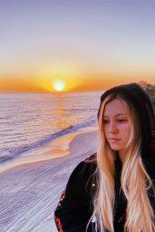 Ava Sambora - Personal Pics 05/11/2020