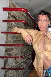 Bella Hadid - Social Media 05/02/2020