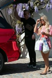 Bianca Gascoigne in Summer Outfit - London 05/05/2020