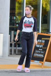 Brie Larson - Shops for Groceries in LA 04/30/2020