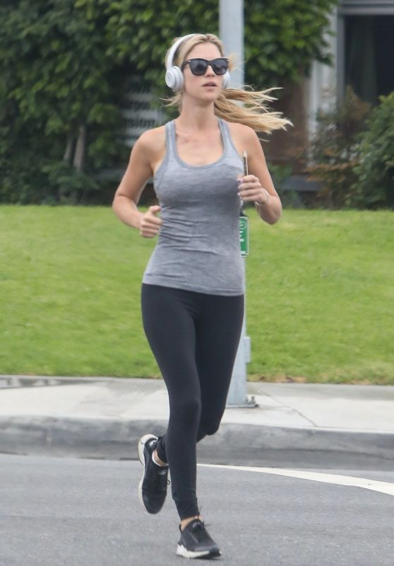 Christina Anstead - Jogging out in Newport Beach 05/28/2020