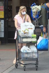 Corinne Olympios - Shopping at Ralphs in West Hollywood 05/19/2020