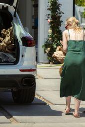 Dakota Fanning Street Style 05/07/2020