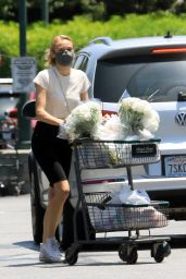 Diane Kruger - Bristol Farms in Los Angeles 05/28/2200