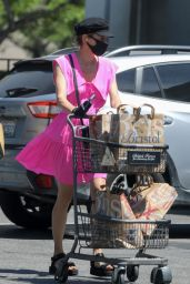 Diane Kruger in all Pink - Grocery Shopping in Beverly Hills 05/06/2020