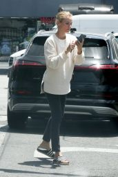 Diane Kruger in Street Outfit - Shopping in Los Angeles 05/18/2020