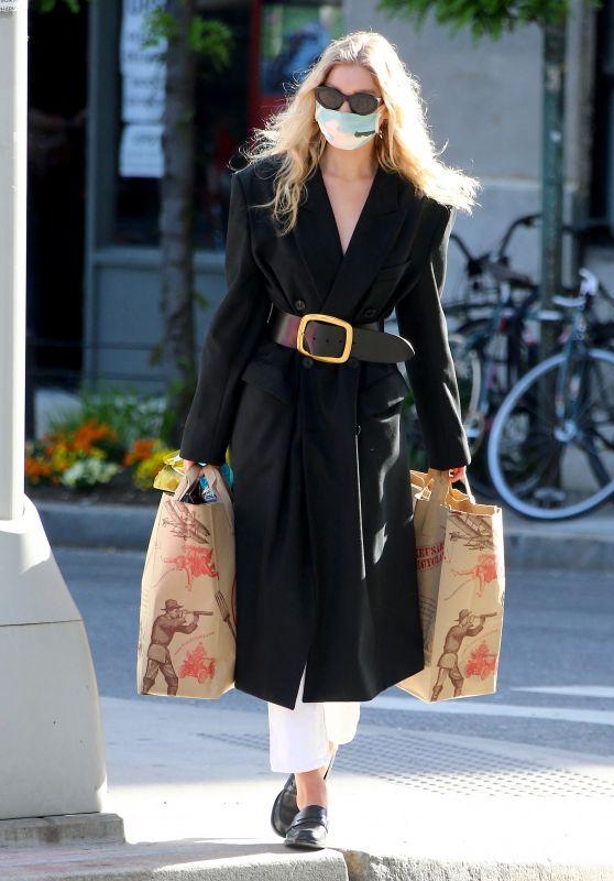 Elsa Hosk Street Fashion - Shopping at Trader Joe