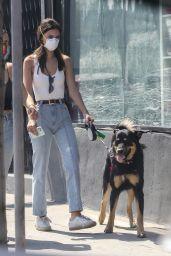 Emily Ratajkowski Street Style - Los Angeles 05/01/2020