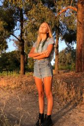 Emily Skinner – Personal Photos 05/26/2020