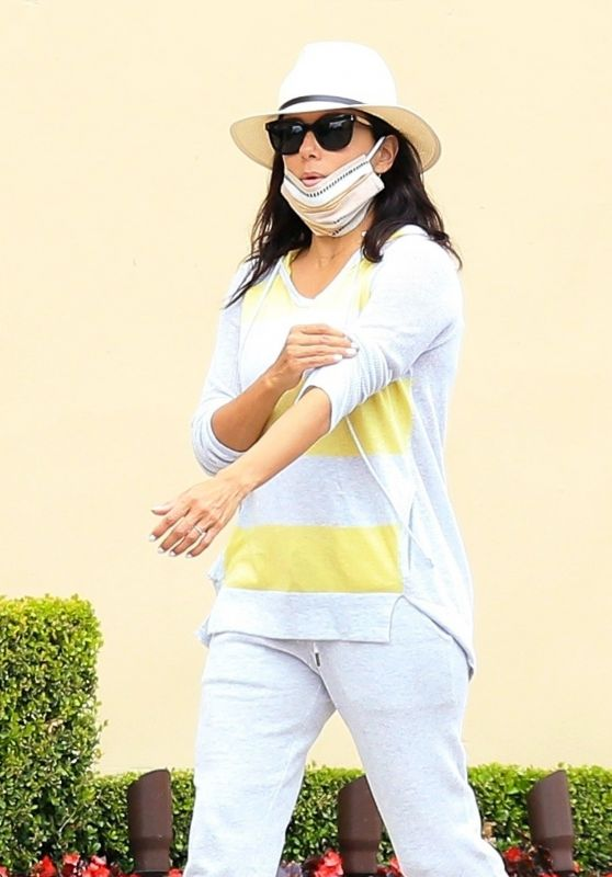 Eva Longoria in Casual Outfit - Beverly Hills 05/10/2020