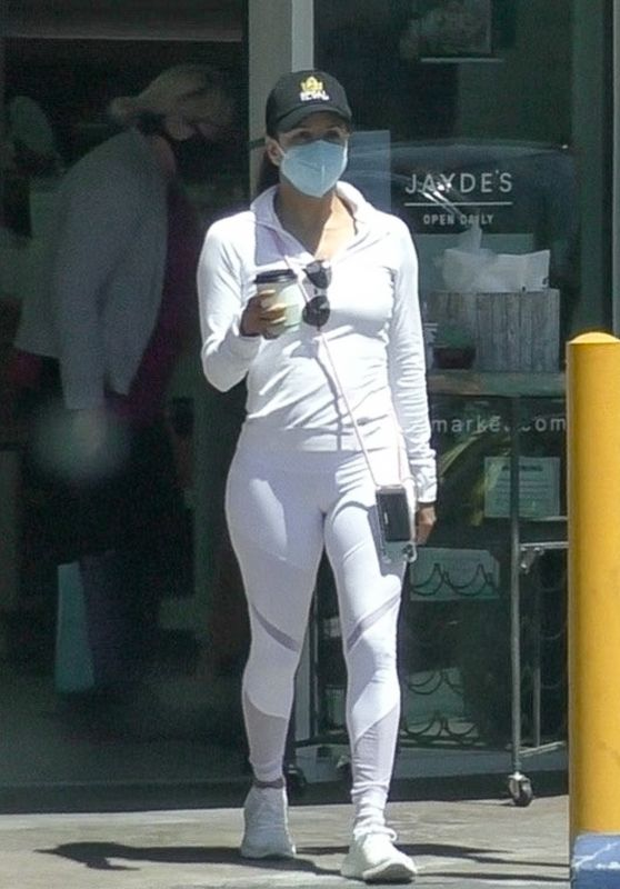 Eva Longoria in White Workout Outfit 05/24/2020