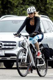 Goldie Hawn Bike Ride 05/19/2020