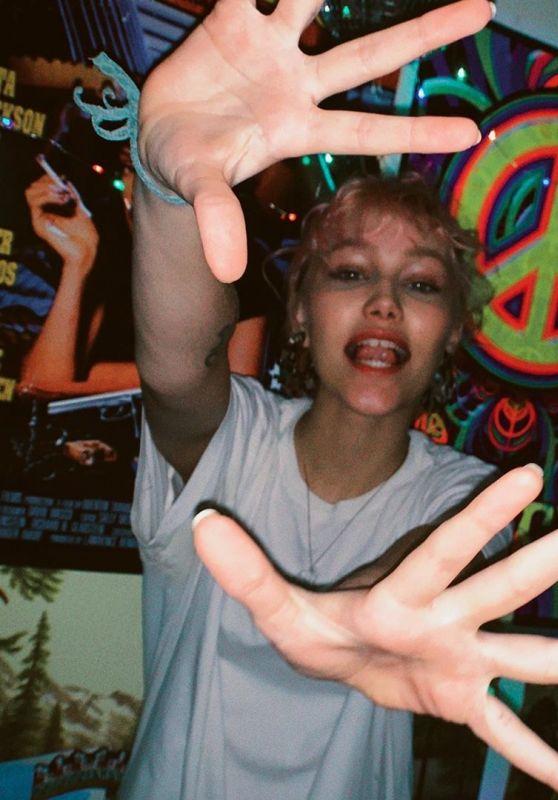 Grace VanderWaal – Live Stream 05/20/2020