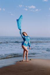 Hailee Steinfeld - Photoshoot for V Magazine 2020