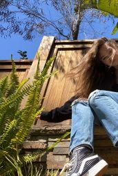 Hailee Steinfeld - Social Media 05/08/2020