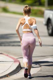 Hayley Roberts Hasselhoff Booty in Leggings - Calabasas 05/28/2020