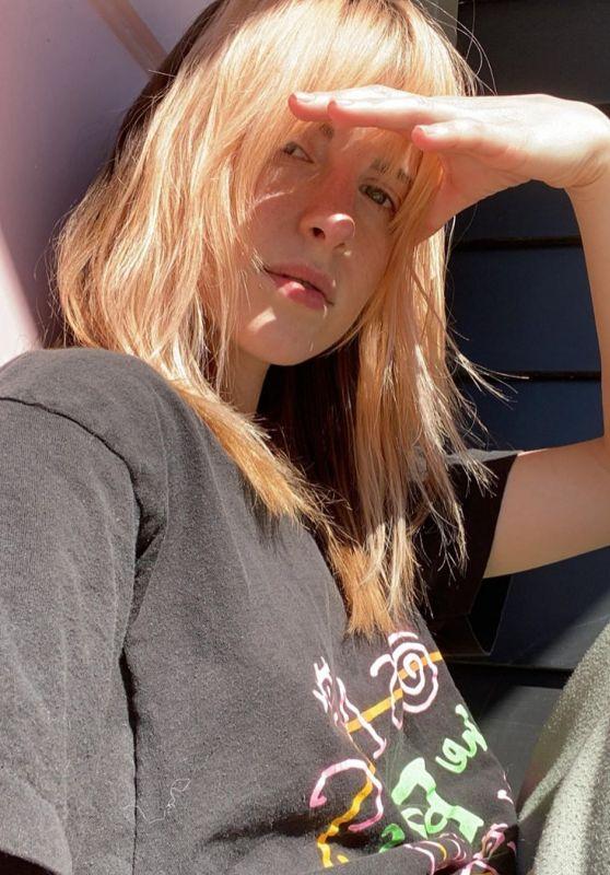 Hayley Williams - Social Media 05/02/2020