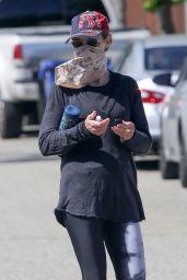 Helen Hunt - Hiking in Brentwood 05/21/2020