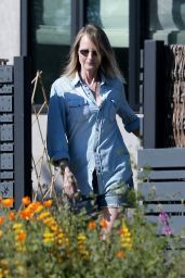 Helen Hunt - Visiting Her Ex Matthew Caranahan in Santa Monica 05/01/2020
