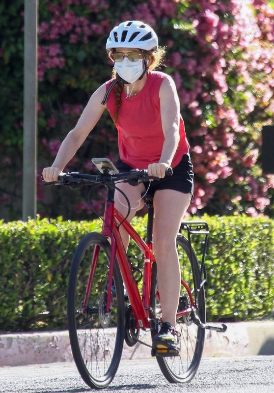 Isla Fisher - Riding Her Bike in Beverly Hills 05/07/2020