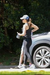 Jennifer Garner - Out in Pacific Palisades 05/21/2020