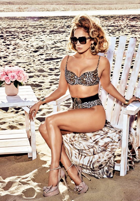 Jennifer Lopez Outfit – Guess Spring Summer 2020 Campaign (VII)