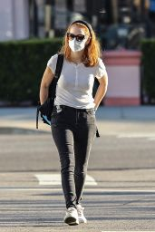 Jessica Chastain in Casual Outfit - Pacific Palisades 05/13/2020
