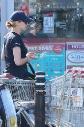 Jodie Comer - Shopping at a local Sainsbury