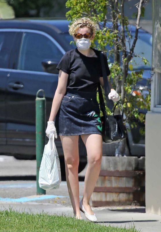 Julia Garner - Out in Burbank April 2020