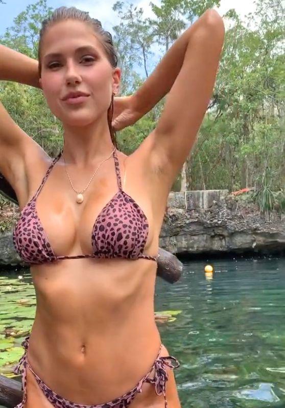 Kara Del Toro in Bikini 05/25/2020