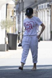 Kylie Minogue - Out in London 05/25/2020