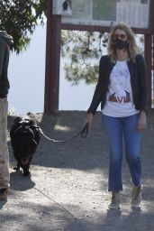 Laura Dern - Out With Her Dog in LA 05/13/2020