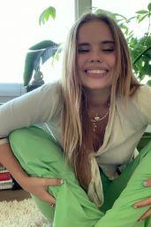 Lexee Smith - Personal Pics 05/29/2020