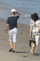 Liberty Ross - Beach Stroll in Malibu 05/07/2020