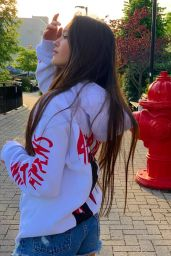 Lily Chee - Social Media Pics and Videos 05/26/2020
