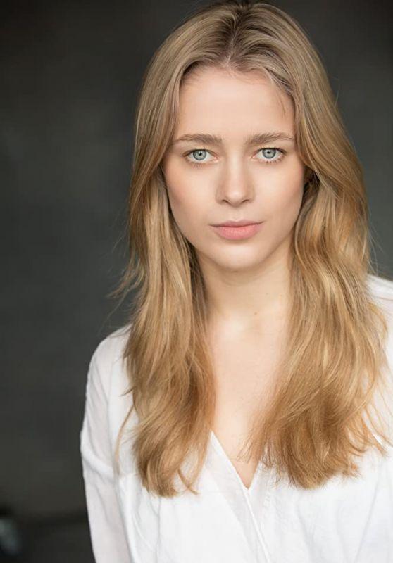 Lily Dodsworth-Evans - Photoshoot 2020