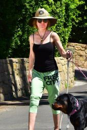 Lisa Rinna in Casual Outfit - Out in Hollywood 05/06/2020