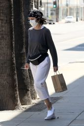 Lisa Rinna - Out in Beverly Hills 05/05/2020