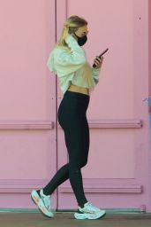 Melissa Ordway in Tights - Ralphs in LA 05/11/2020
