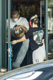 Miley Cyrus - Shopping in Los Angeles 05/17/2020