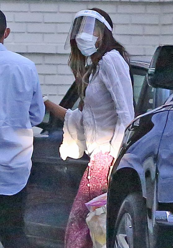 Naomi Campbell With a Face Shield and Wearing Disposable Gloves 05/27/2020