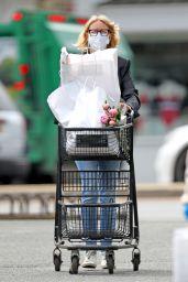 Naomi Watts - Gocery Shopping in the Hamptons 05/26/2020