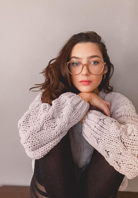 Natalie Dreyfuss - Stay Cozy at Home Photoshoot 2020