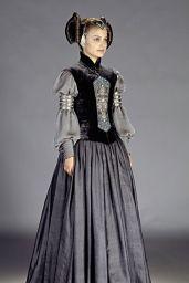 """Natalie Portman - """"Star Wars: Episode II – Attack of the Clones"""" Promoshoot"""