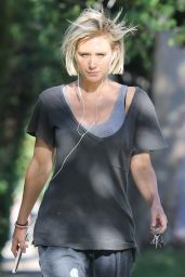 Nicky Whelan - Out in Sherman Oaks 05/13/2020