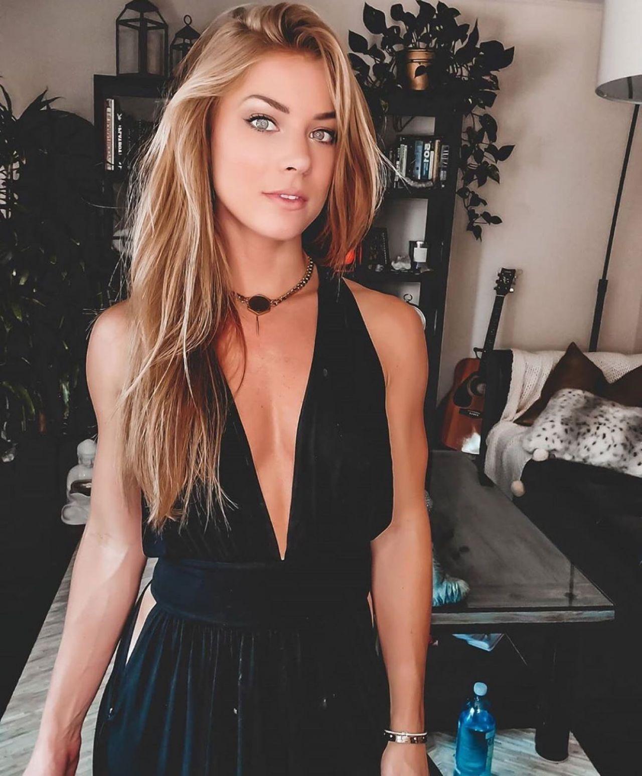 Nikki Leigh - Live Stream Video and Photos 05/13/2020