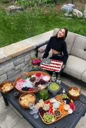 Olivia Culpo - Social Media Photos and Video 05/27/2020