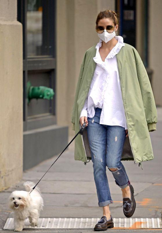 Olivia Palermo Street Style - Walking Her Dog 05/19/2020