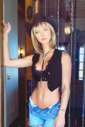 Rachel Cook - Photoshoot May 2020