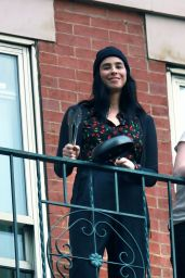Sarah Silverman - Applauding Frontline Healthcare Workers Battling COVID-19 in NY 05/05/2020